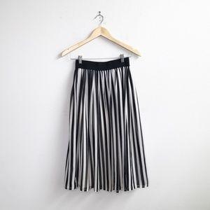 ASOS : B&W Striped Midi Skirt Size 6